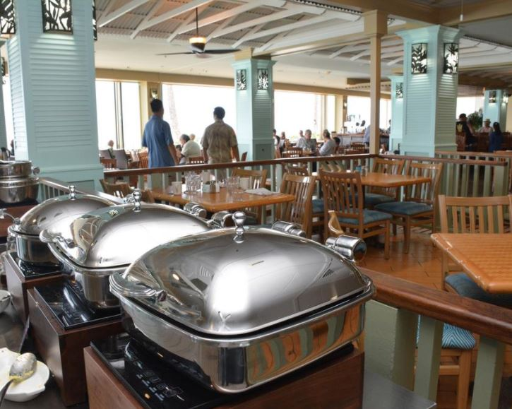 The Reef Bar And Market Grill Opened Monday At Outrigger Waikiki Beach Resort In Former S Bird Restaurant E Which Closed